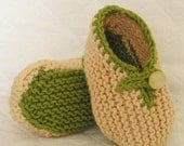 Knitting Pattern (Pdf file) - Slippers two colour for Baby (sizes - 0-3/3-6/6-9 month)
