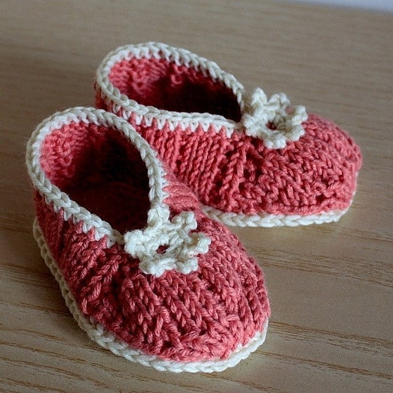 Knitting PATTERN (PDF file) - BABY Flower Shoes (0-6/ 6-12 months)