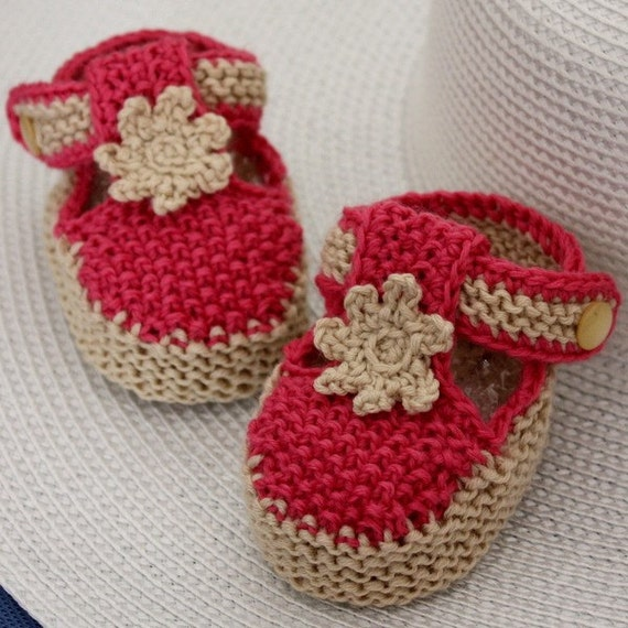 Knitting PATTERN (PDF file) T-strap Baby Booties (0-6/6-12 months)