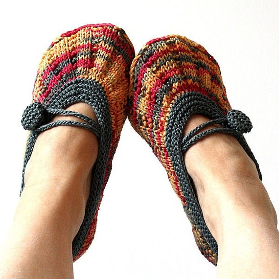 Knitting Pattern (PDF file) Shine Hom Slippers (Adult size)