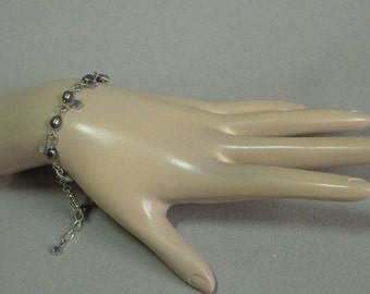 Freshwater Pearl & Crystal Bracelet