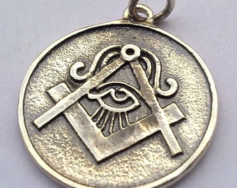 solid sterling silver 925 all seeng eye pyramid masonic symbol pendant