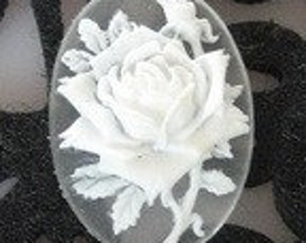 90-00-CM  4pcs Pretty Rose Oval Cameo -White With Frosty Base