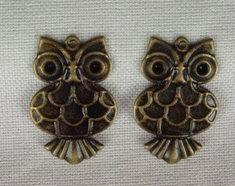 CM-12  6Pcs  Antique Brass Lovely Owl Charm, NICKEL FREE