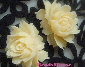 34-00-691-CA  2Pcs Cabbage Rose Cabochon-Pale Ivory