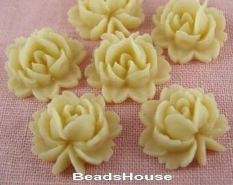 20%off:57-06-910-CA  6pcs Beautiful Roses Cabochon-Pale Ivory