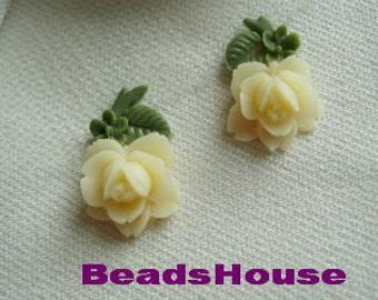 335S-IV-CA  12pcs (6Pairs) Beautiful Roses W/Leaf  Cabochon-Ivory/Green
