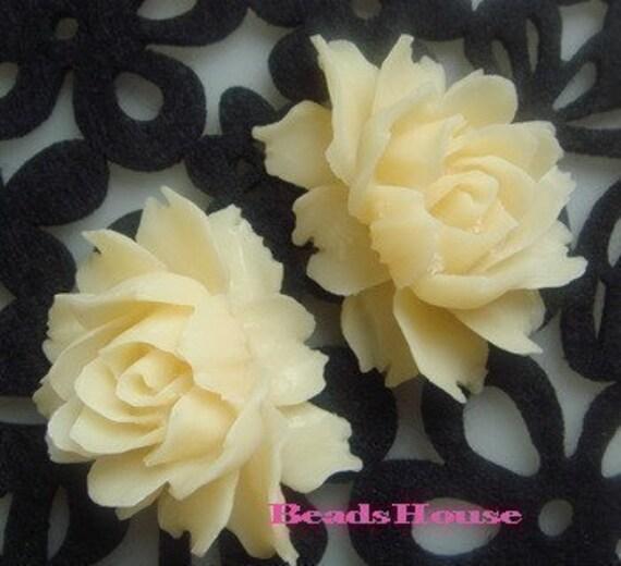 34-00-691-CA  2Pcs Cabbage Rose Cabochon-Pale Ivory