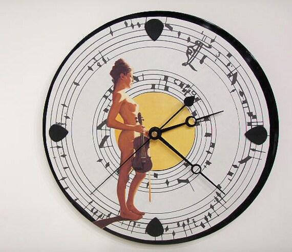 Fiddler Wall Clock - Nude olyteam