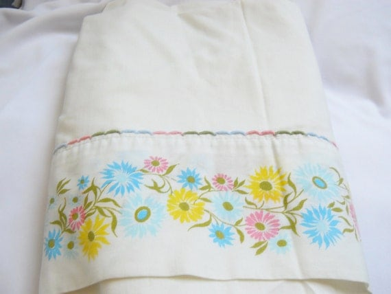 Vintage sheet, Twin Flat, White with multi floral border