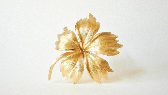 Leaf Brooch Pin - Goldtone Marked Trifari