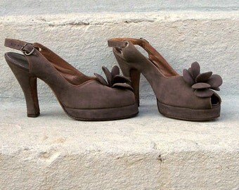 Vintage 1940s Platform High Heels Brown Suede Slingback Shoes / U. S. 5 to 5.5M