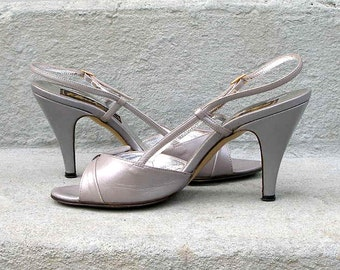 Vintage 1980s High Heels Pearl Gray Slingback Open Toe Sandals Shoes  /  U. S. 5.5 to 6 B