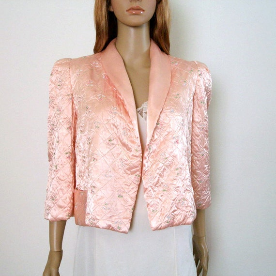 1960s Embroidered Bed Jacket / 60s Quilted Satin Jacket / Pale Pink Lingerie / Medium