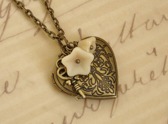 Beautiful Gold Brass Heart Locket Necklace Wedding Bride Bridesmaid Photos Pictures Wife Mother Key Love Romantic Flowers - Key to Love