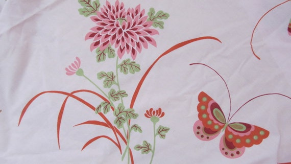 Vintage Retro Pink Full Fitted Sheet Covered in Butterflies and Flowers