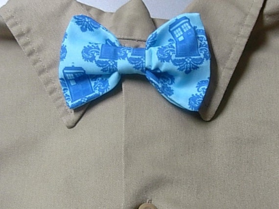 Tardis Doctor Who Clip on Bow Tie