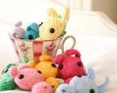 Candy Bunny Brooch (pale dusky pink)