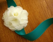 flower wrist corsage in ivory