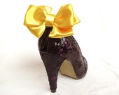 sweet bow shoe clips in canary yellow
