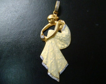 Art Nouveau style stunning 18k gold  Enamel and diamond pendant