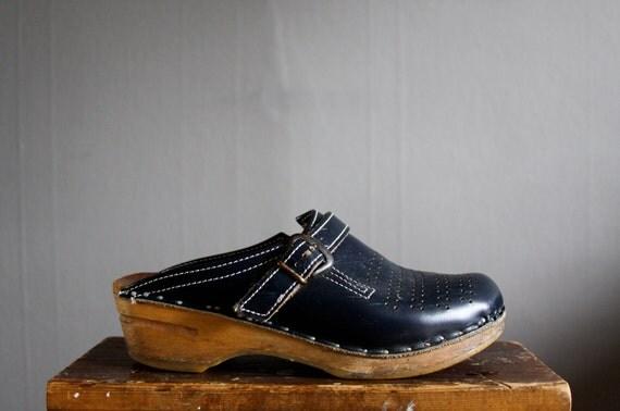 vintage navy clogs size 37