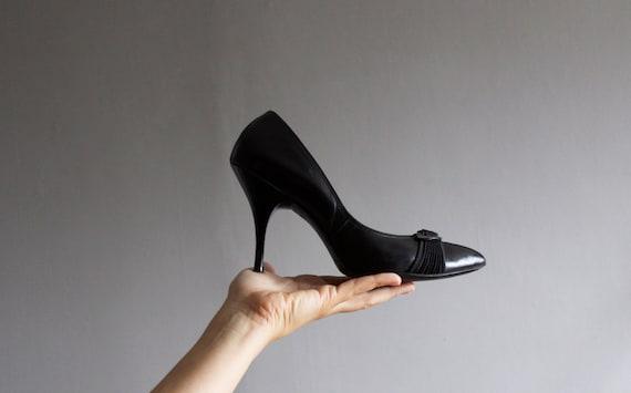 1950's black bombshell stilettos  7 / 37.5