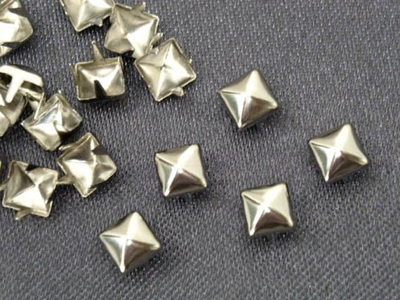 100pcs 4mm Silver Pyramid Studs Metal Punk Rock Biker Spikes spots Heavy Duty DIY