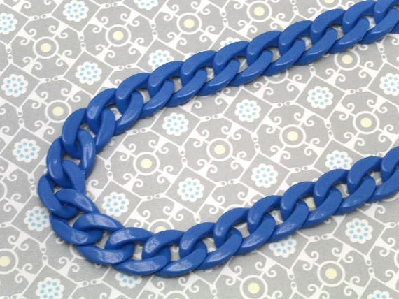 30 inch acrylic plastic  LINK CHAINS necklace / royal blue