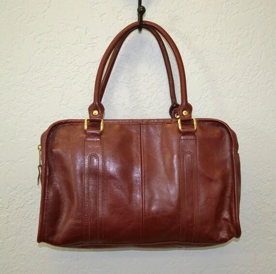 Vintage leather handbag / oxblood red / 1970s