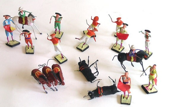 Unique Vintage Mexican Wire Bullfighter Figurines