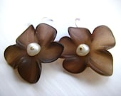 RESERVED FOR AMANDA: Cocoa and pearl flower earrings