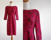 Vintage 60s Wiggle Dress  -- Beaded Red & Black Paisley -- Medium
