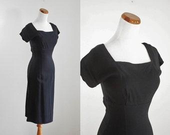 Vintage 50s Dress, Black Dress, 1950s Wiggle Dress, 50s Cocktail Dress, Little Black Dress, Short Sleeve Dress, Bust 32 XS Small