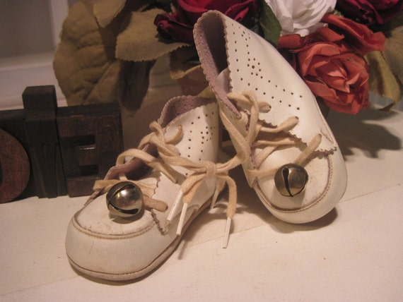 Baby Shoes Bells White Leather