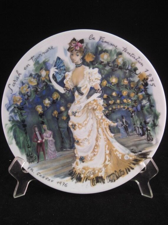 """D'Arceau - Limoges Porcelain Plate """"Sarah en Tournure - la Femme Tentation 1875"""" Paris Fashion Collectible"""
