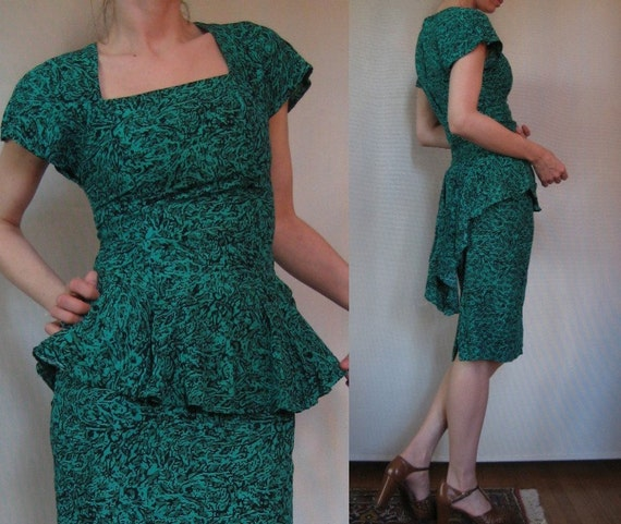 Vtg '80s Does '50s Emerald & Black Abstract Animal Print RAYON WIGGLE Dress XS S