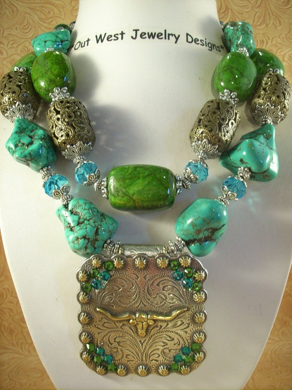 Cowgirl Necklace Set - Chunky Howlite Turquoise Nuggets with a Texas Longhorn Concho Pendant
