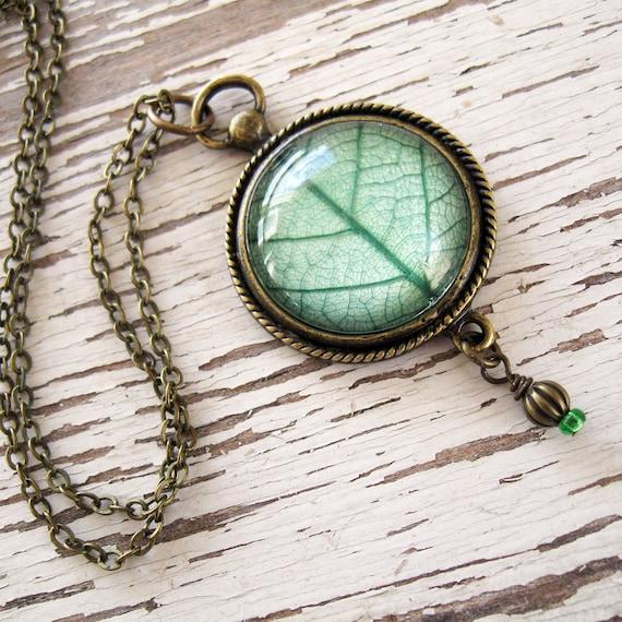 Green Leaf Vintage Inspired Necklace