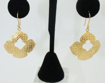 Textured Flower Earrings 010