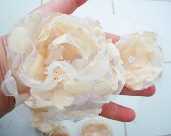 Cream Ivory Organza Fabric Flowers Aplique sewn Set of  7 pcs