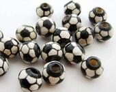 20 Soccer Ball Beads - Medium (10mm)