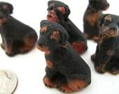 10 Large Rottweiler Beads - LG152