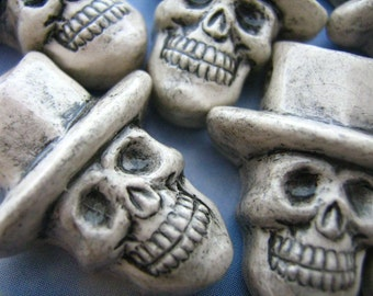 4 Large Skull Beads with white top hat - LG427