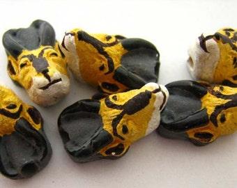 4 Tiny Antelope Beads