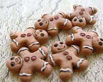 4 Tiny Ceramic Beads - Gingerbread Man - CB344