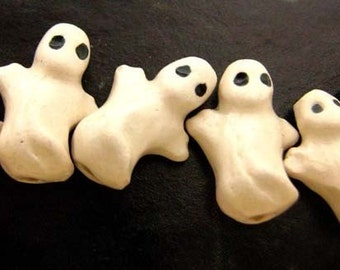 4 Tiny Ceramic Ghost Beads - CB408