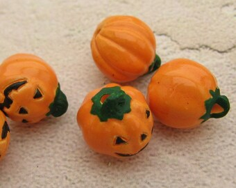 4 Tiny Jack O Lantern Beads - CB392