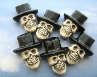 4 Large Skull beads with black top hat