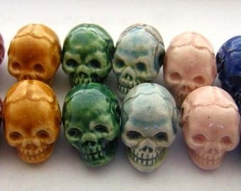 20 Tiny Ceramic Beads - Mixed Skull - CB600